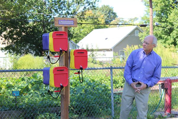 Cote Brilliante School Receives Little Free Library
