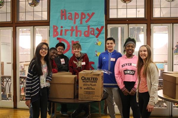 Laclede Receives Book Donation From Wildwood Middle